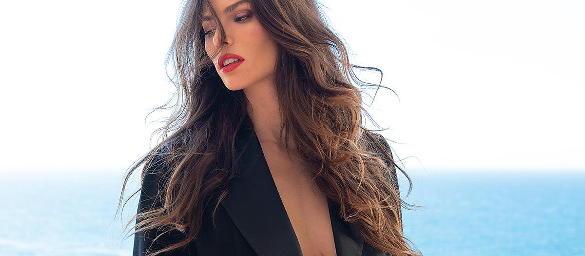 La modella Dayane Mello per L'Officiel Baltics